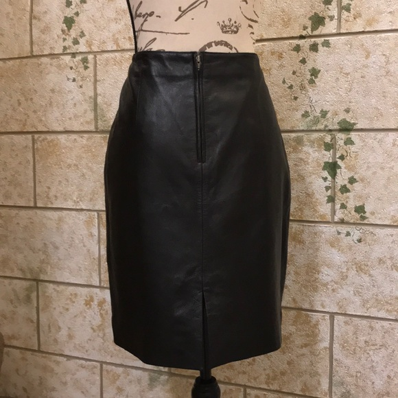 58c857335aee Venus Williams Authentic Black Leather Skirt. M_5a98ba781dffdaebe099a04f